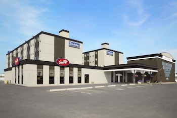 Picture of Travelodge by Wyndham Edmonton West in Edmonton