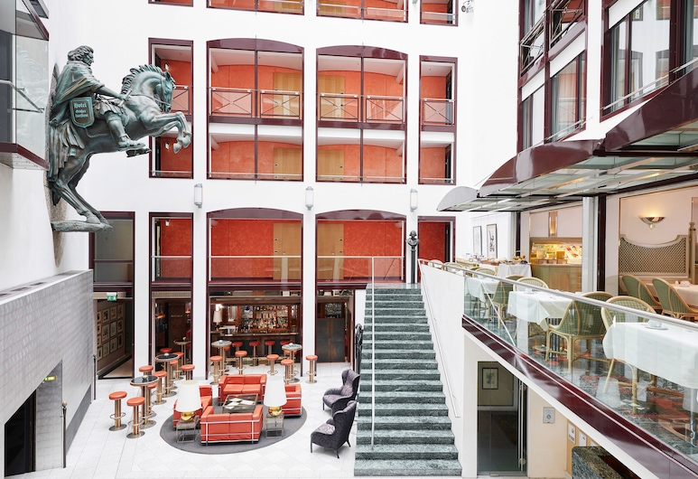 Living Hotel Großer Kurfürst , Berliini