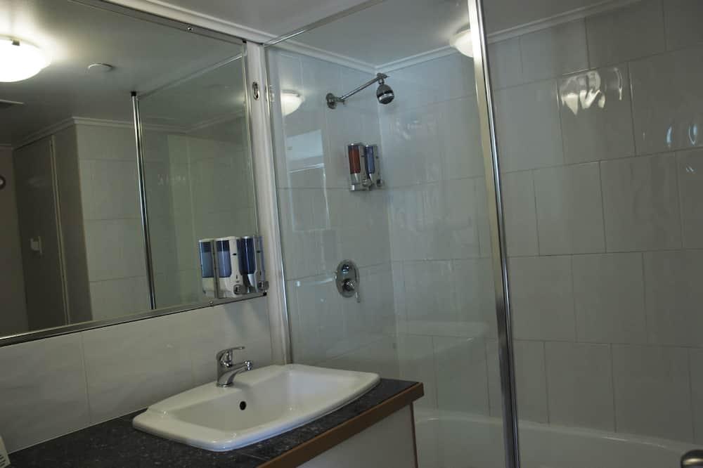 Lägenhet Standard - 2 enkelsängar - icke-rökare - pentry - Badrum