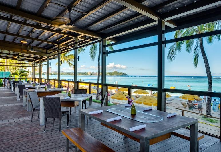 Dusit Beach Resort Guam, Tamuning, Restoran na otvorenom