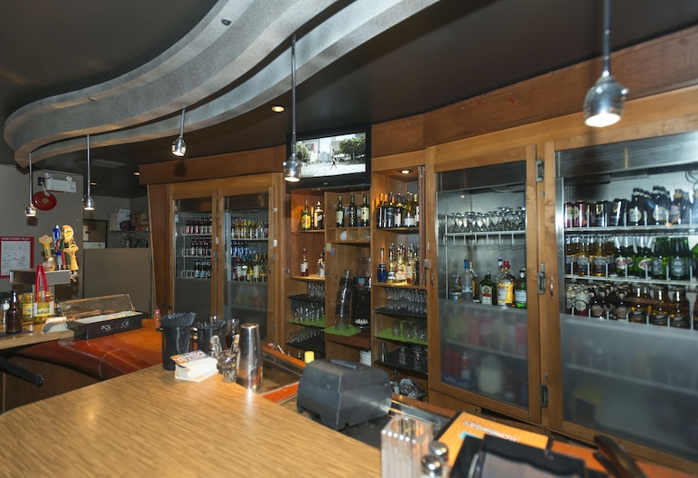 Lakeview Inns & Suites - Fort St. John, Fort St. John, Bar com Transmissão de Jogos em Direto