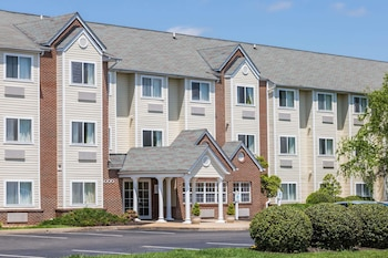Picture of Microtel Inn & Suites by Wyndham Richmond Airport in Richmond