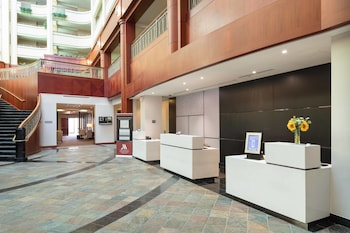 15 Closest Hotels To Northern Kentucky University In Highland Heights