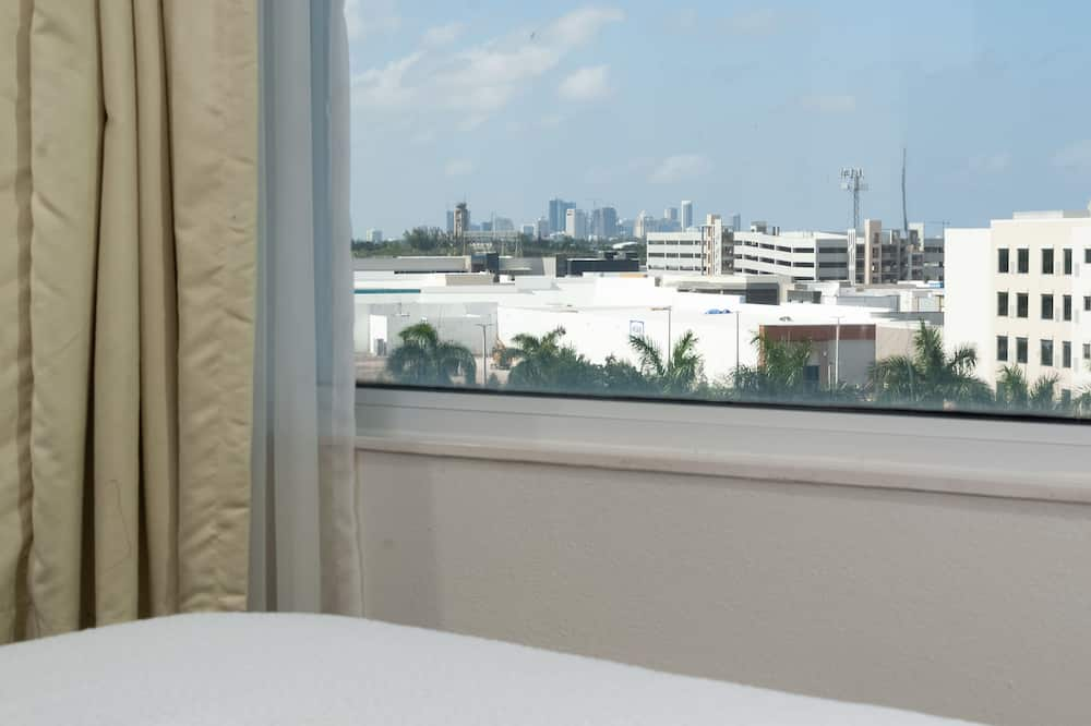 Suite, 1 habitación, para no fumadores - Vista a la ciudad