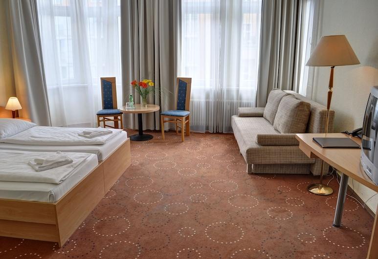 Olivaer Apart Hotel am Kurfuerstendamm, Berlin, Dreibettzimmer, Zimmer