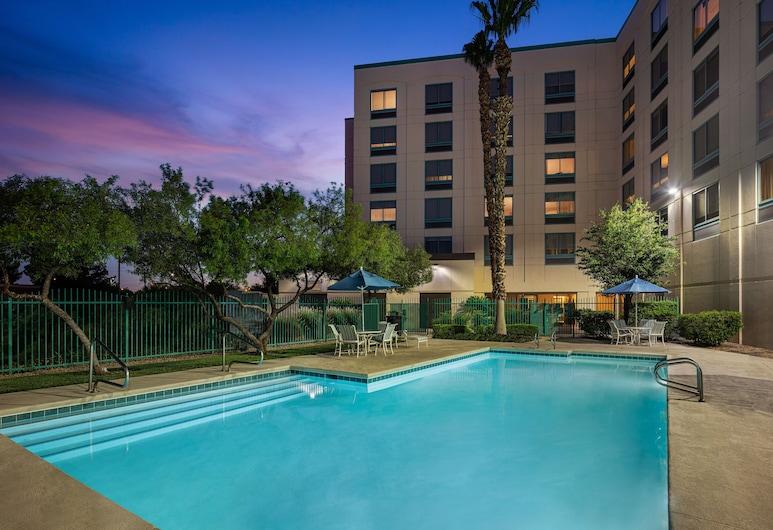 DoubleTree by Hilton Las Vegas Airport, Las Vegas, Outdoor Pool