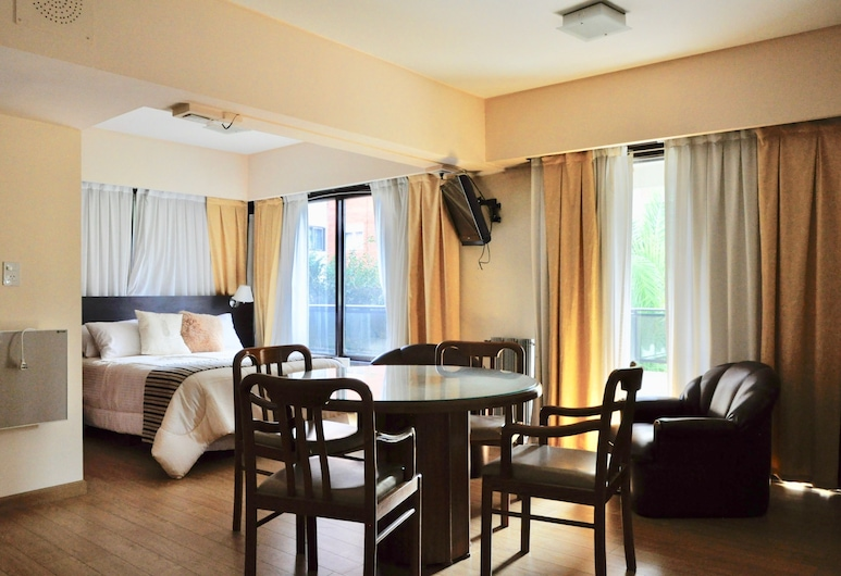 Golf Tower Suites & Apartments, Buenos Airės, Pagerinto tipo trivietis kambarys, Vaizdas į gatvę