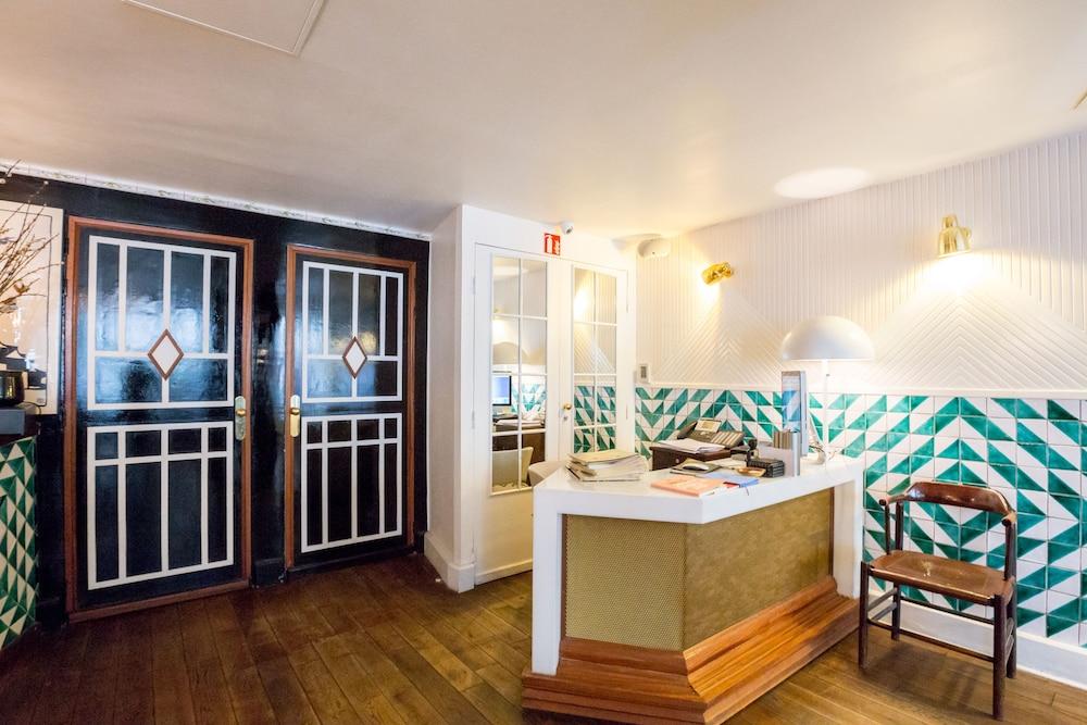 book hotel du temps in paris. Black Bedroom Furniture Sets. Home Design Ideas