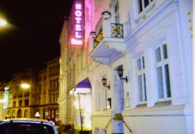 Steen's Hotel, המבורג, חזית המלון - ערב/לילה