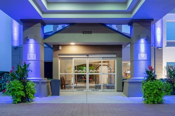 Picture of Holiday Inn Express Hotel & Suites Chicago-Midway Airport in Chicago