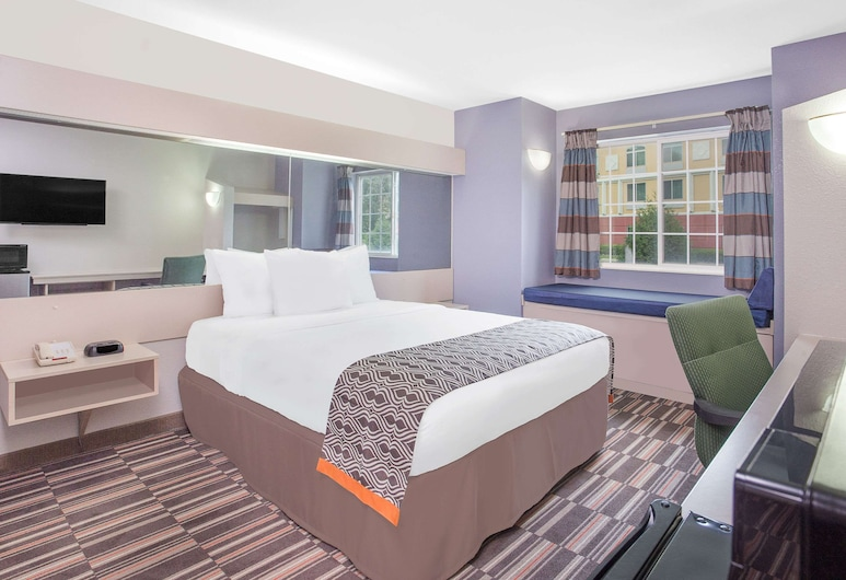 Microtel Inn & Suites by Wyndham Appleton, Appleton, Room, 1 Queen Bed, Non Smoking (Non-Pet Friendly), Guest Room
