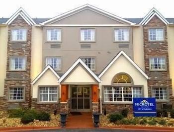 Фото Microtel Inn & Suites by Wyndham Greenville / Woodruff Rd у місті Гринвілль