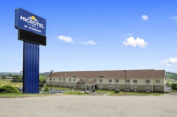 Picture of Microtel Inn By Wyndham Mineral Wells/Parkersburg in Mineralwells