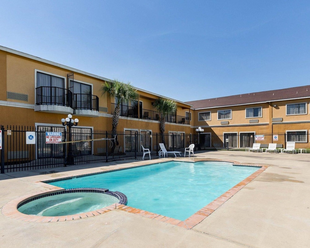 Book Quality Inn & Suites in Houston | Hotels.com
