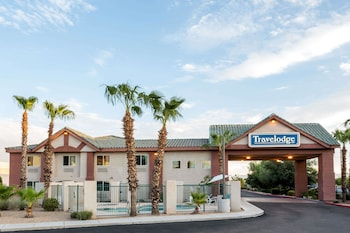 Picture of Travelodge by Wyndham Phoenix in Phoenix