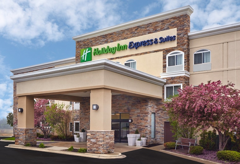 Holiday Inn Express Hotel & Suites Chicago - Libertyville, an IHG Hotel, Libertyville