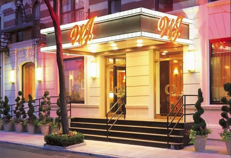 โรงแรมวอชิงตัน เจฟเฟอร์สัน, นิวยอร์ก, ด้านหน้าของโรงแรม