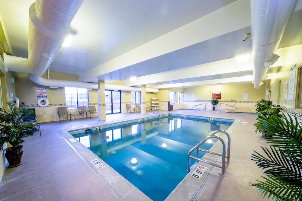 Americinn By Wyndham Denver Airport Indoor Pool