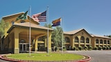 Choose This Mid-Range Hotel in Prescott