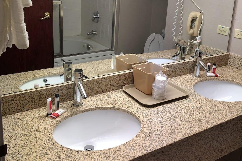 Suite - flere senge - ikke-ryger (Two-Bedroom) - Badeværelse