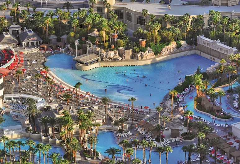 Mandalay Bay Resort And Casino, Las Vegas, Pool