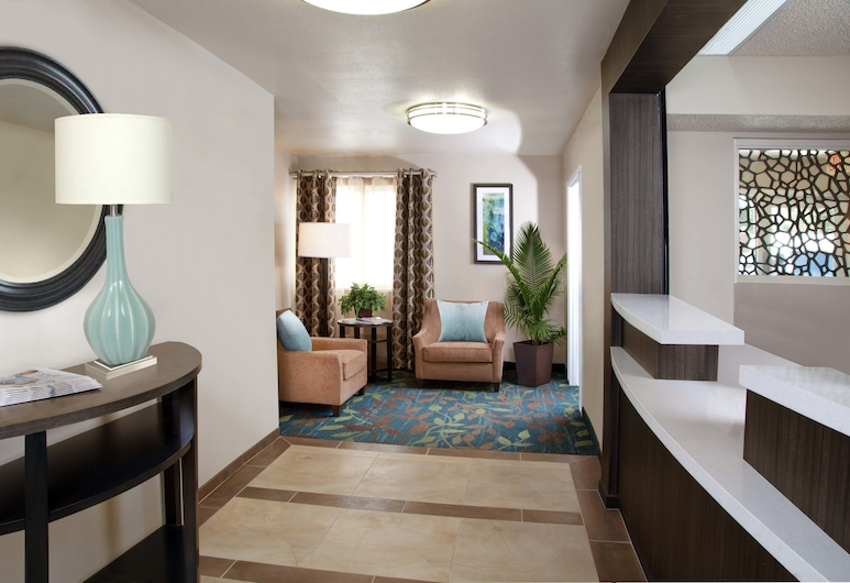 Candlewood Suites Park Central, Dallas, Eingangsbereich