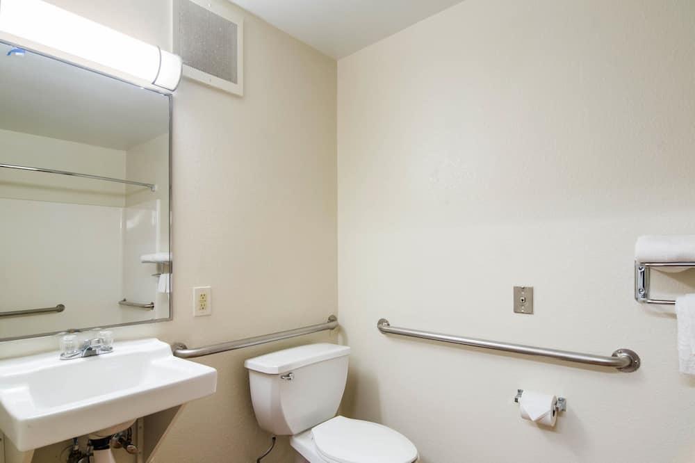 Stúdió, 1 kétszemélyes ágy, mozgássérültek számára is hozzáférhető, nemdohányzó - Fürdőszoba
