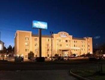 Picture of Baymont Inn & Suites Hattiesburg in Hattiesburg