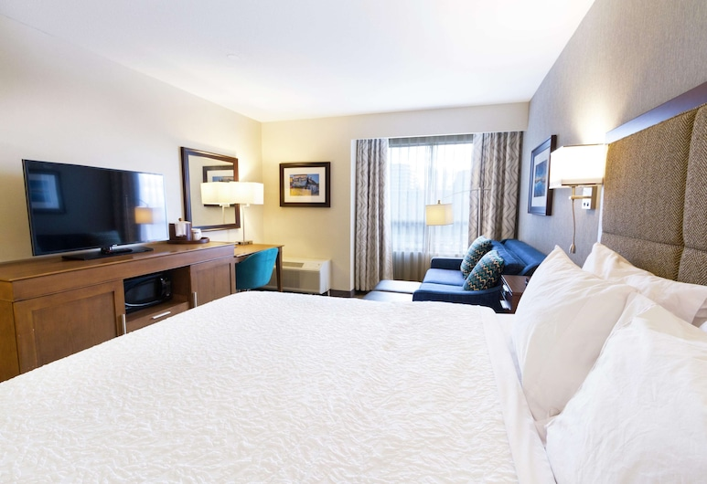 Hampton Inn by Hilton Vancouver-Airport/Richmond, Richmond, Quarto com Cama Grande Não Fumadores, Área de Estar