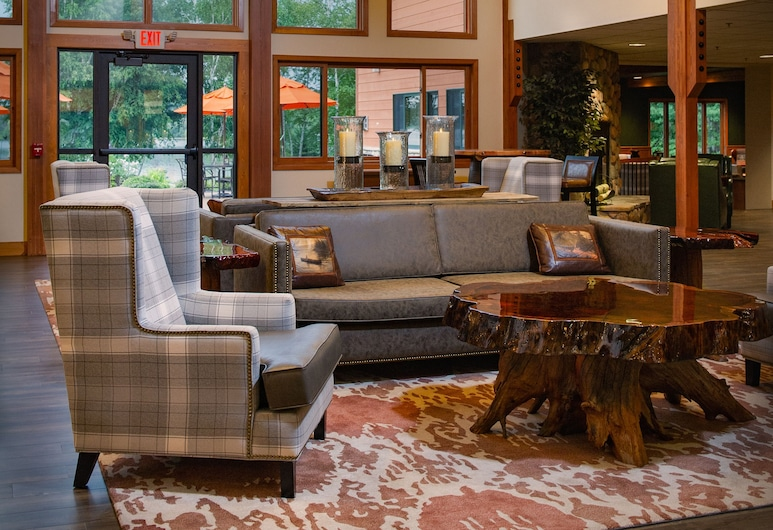 Holiday Inn Express & Suites Hayward, Hayward, Sitzecke in der Lobby