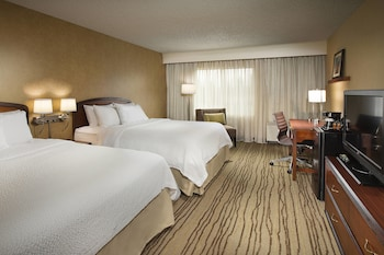 Enter your dates to get the Lynnwood hotel deal