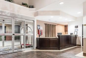 Image de Days Inn & Suites by Wyndham Dallas à Dallas