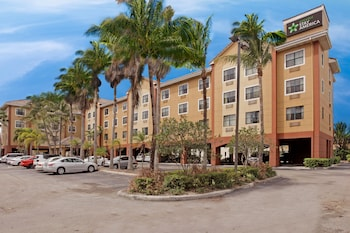 Picture of Extended Stay America Suites Ft Lauderdale Conv Ctr CruisePt in Fort Lauderdale