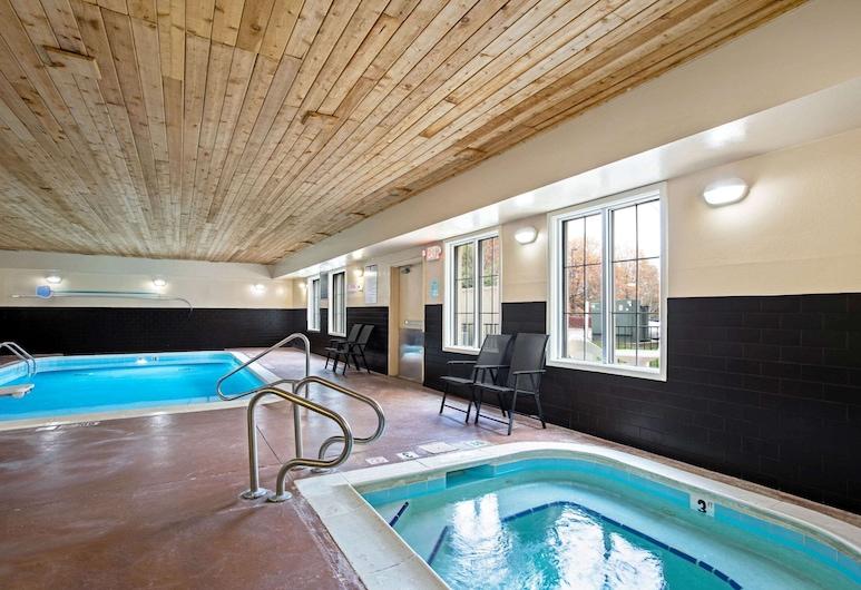 La Quinta Inn & Suites by Wyndham Lexington South / Hamburg, Lexington, Tina de hidromasaje al aire libre
