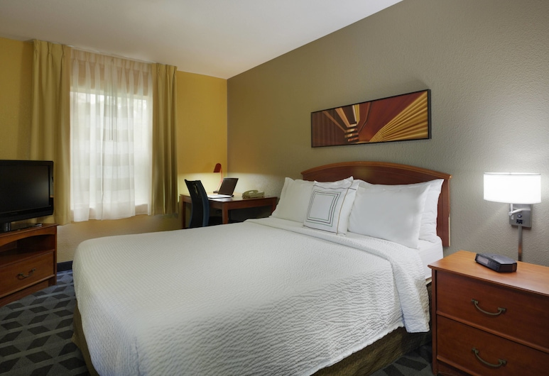 TownePlace Suites by Marriott Tampa North/I-75 Fletcher, Tampa, Guest Room