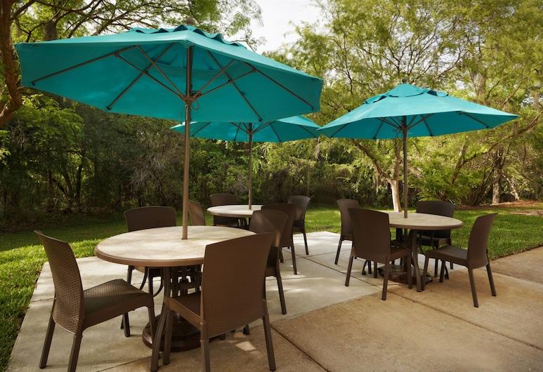 TownePlace Suites by Marriott Tampa North/I-75 Fletcher, טמפה, ברביקיו/אזור פיקניק