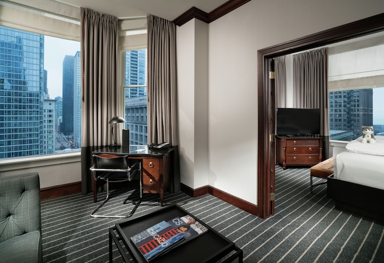 Staypineapple, An Iconic Hotel, The Loop, Chicago, Suite, 1 kingsize-seng, utsikt mot park (Millennium), Gjesterom