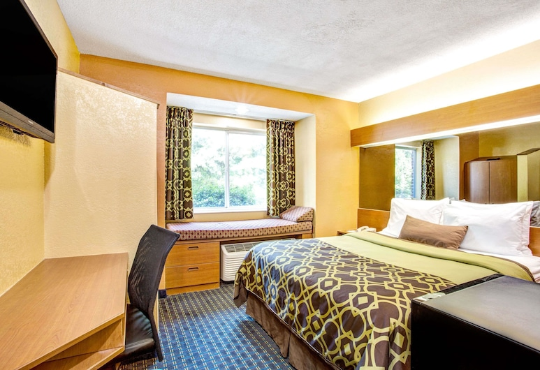 Microtel Inn by Wyndham Newport News Airport, Newport News, Standard Room, 1 Queen Bed, Guest Room