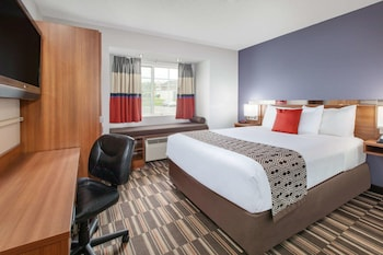 Picture of Microtel Inn & Suites by Wyndham Pittsburgh Airport in Pittsburgh