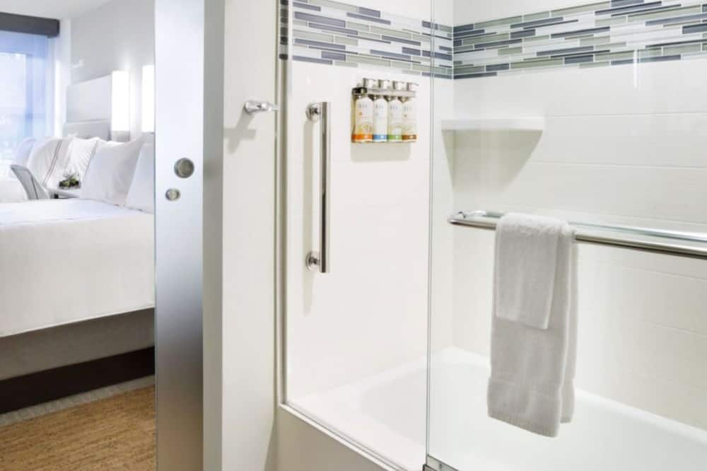 Room, 2 Katil Kelamin (Double) (Glass Enclosed Tub with Shower) - Bilik mandi