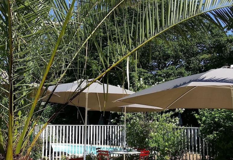 ibis Lyon Nord, Dardilly, Restoran na otvorenom