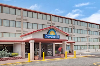 sneakers for cheap 9c18c 368fd 15 Closest Hotels to Robert Wood Johnson University Hospital ...