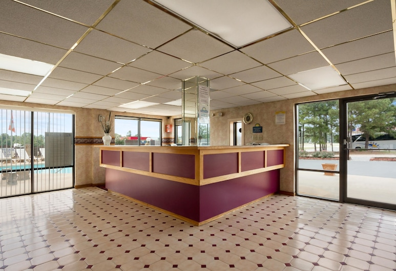 Days Inn by Wyndham Richburg, Richburg, Lobby