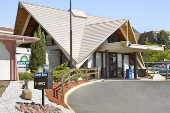 Picture of Days Inn by Wyndham Colorado Springs/Garden of the Gods in Colorado Springs