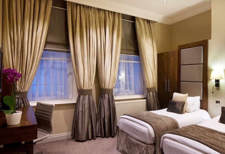 Langham Court Hotel, London, Superior Twin Room, Guest Room View