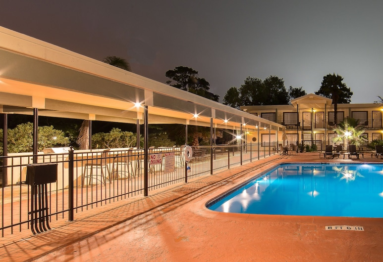 Ramada by Wyndham Houston Intercontinental Airport East, Humble, Piscina all'aperto