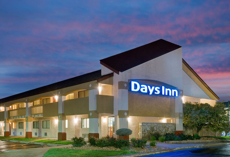 Days Inn by Wyndham Overland Park/Metcalf/Convention Center, Overland Park, Viesnīcas ieeja