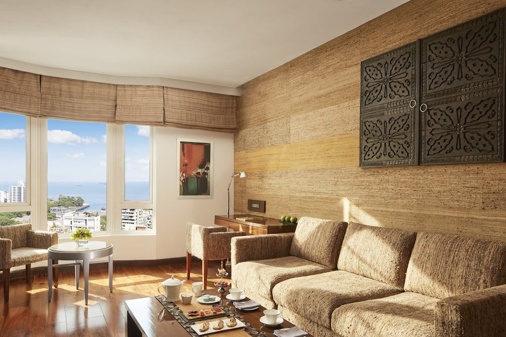 Executive Suite, 1 King Bed, Partial Sea View- Inclusive of Bombay Chai - Καθιστικό