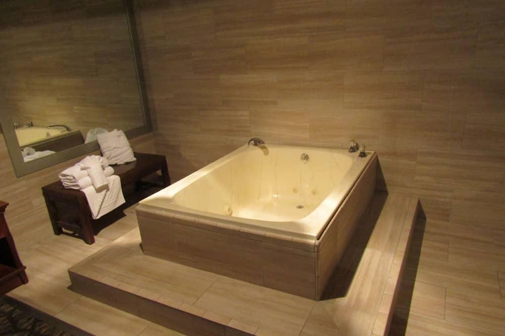 套房, 1 張特大雙人床, 非吸煙房, 熱水浴缸 - 私人 Spa 浴缸