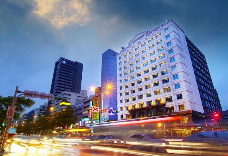 康華大飯店, 台北市, 飯店入口 - 夜景